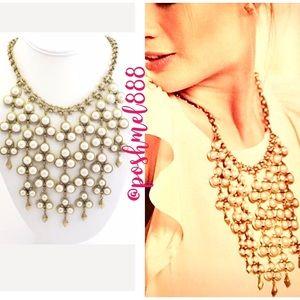 :: Stella & Dot Daliah Pearl Bib Necklace